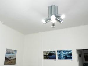 Energiesparlampe_von_Uwe_Jansen__in_der_Galerie-an-der-Ruhr_Foto_by_Ivo_Franz