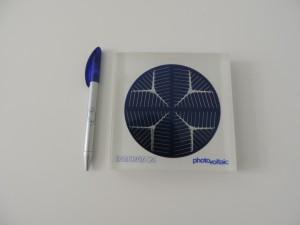 Pretiosen_zur_Energy-Art_2014_Solar-Zelle_vom_Einkristall_Interatom_uebernahm_die_Solaraktivitaeten_von_Siemens_spaeter_Siemens-Solar_Foto_by_Ivo_Franz